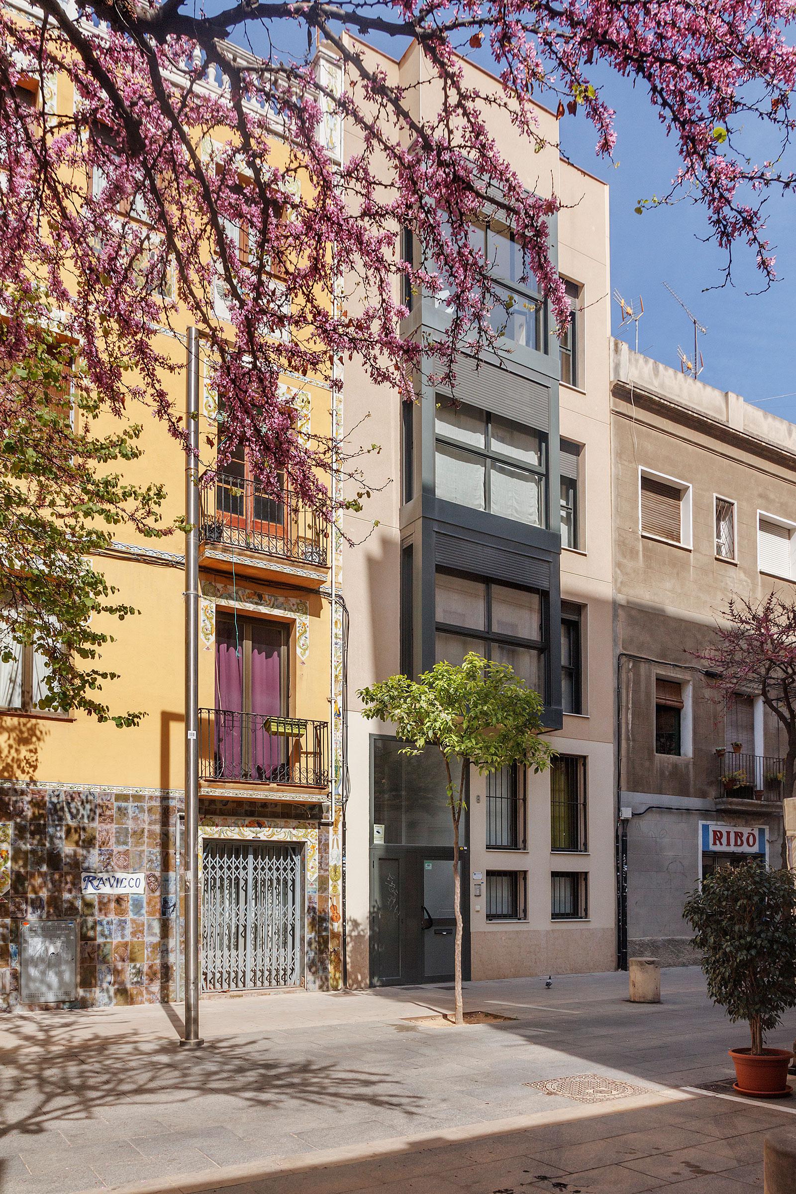 NNOETHA: Duplex low cost al Poble Nou